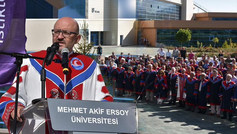 MAKÜ'de akademik yıl açılışı gerçekleştirildi