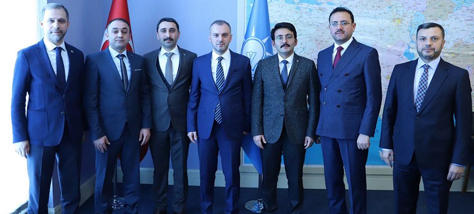AK Parti'de ilçelere yeni başkanlar atandı
