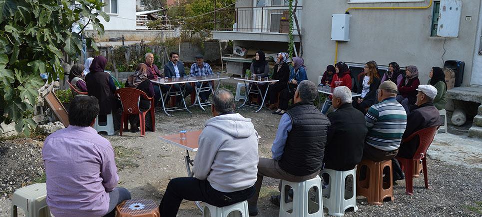 AK Parti'den Menderes Mahallesinde Çay Buluşması