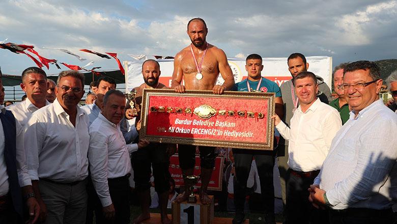 2. Burdur Yağlı Güreşlerinin Başpehlivanı Ali Gürbüz
