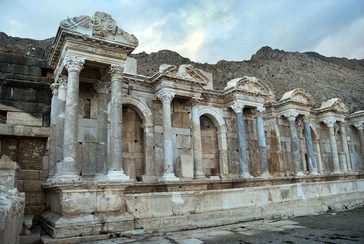 Tarihi Antoninler Çeşmesi, 14 Asır Sonra Yeniden Hayat Buldu