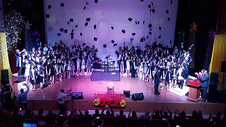 Bahçeşehir Koleji Anadolu Lisesinde mezuniyet coşkusu