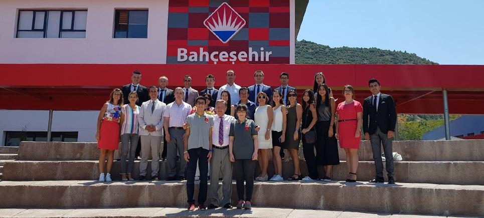 Bahçeşehir Kolejinin birincileri onurlandırıldı