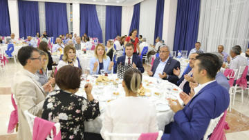 Burdur Belediyesi meslek odalarıyla iftarda buluştu