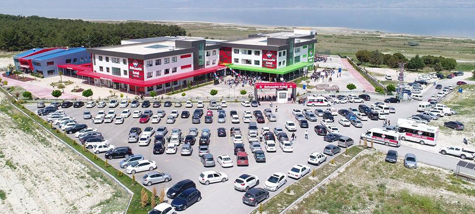 Burdur Bahçeşehir Kolejinden LGS'de büyük başarı