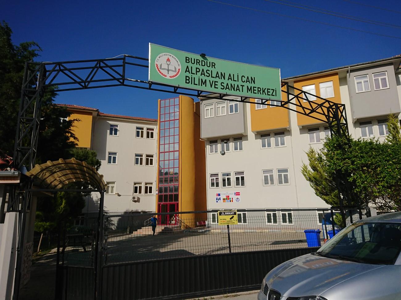Burdur Alpaslan Ali Can Bilim ve Sanat Merkezi Türkiye 1.si