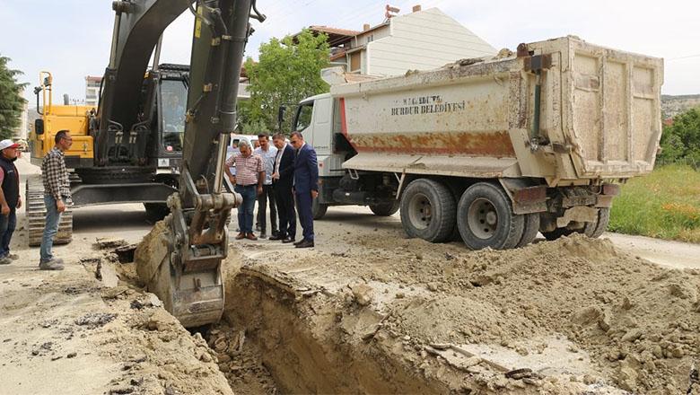 Burdur Belediyesi altyapı çalışmaları sürüyor