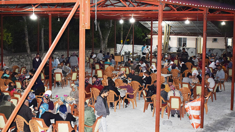 Bu köyde her gün imece usulü iftar
