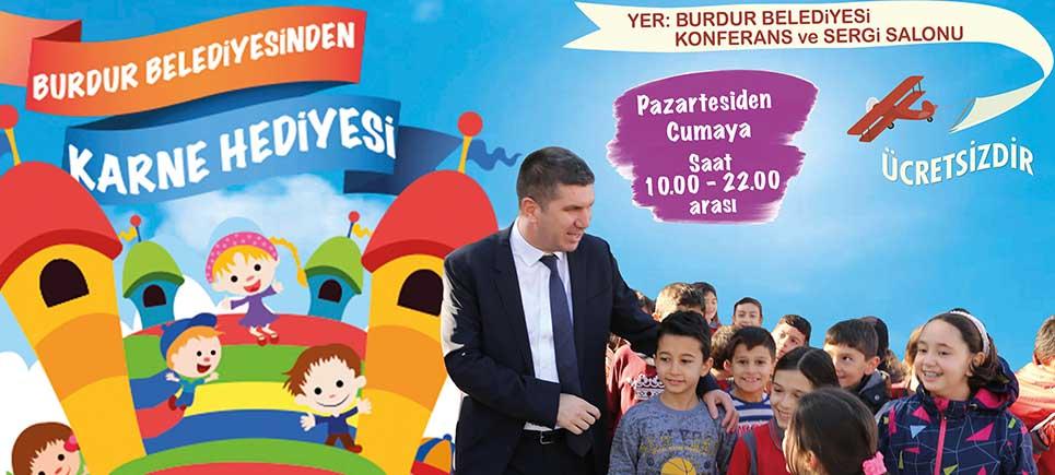 Burdur Belediyesi'nden çocuklara karne hediyesi