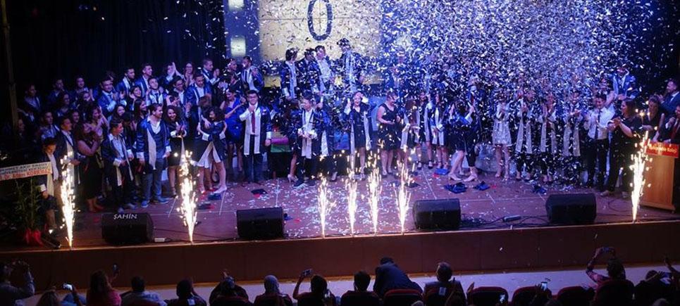 Bahçeşehir Koleji, 3. mezunlarını verdi