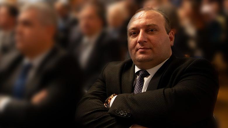 Bucak Belediyesi'ne Oğuzhan Erdoğan atandı