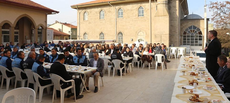 Başkan Ercengiz personeliyle kahvaltıda buluştu