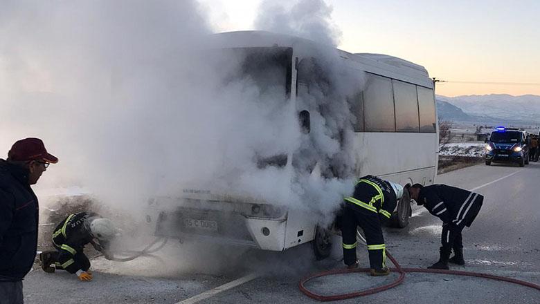 Burdur'da öğrenci servisi yandı