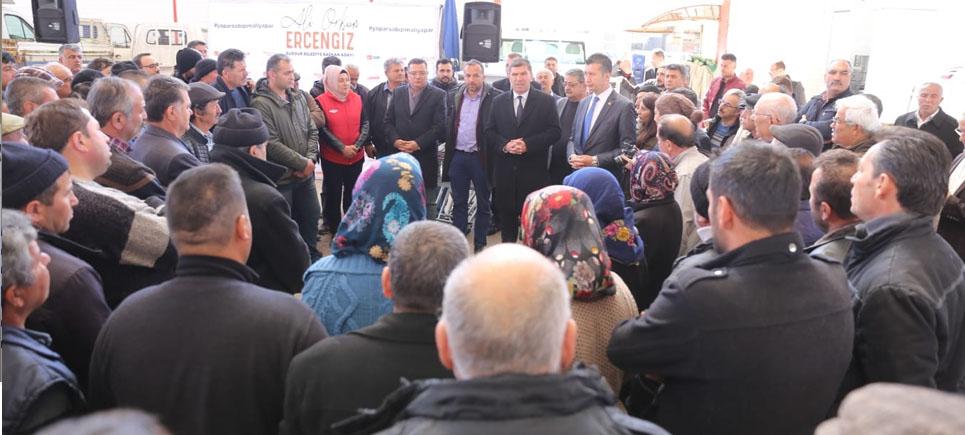 Başkan Ercengiz pazar esnafıyla buluştu