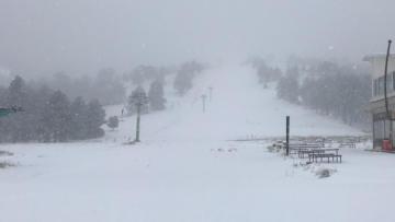Salda Kayak Merkezi'ne ilk kar yağdı