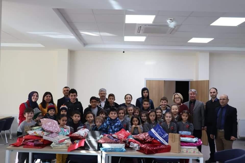 Bahçeşehir Koleji öğrencilerinden yeni yıl ziyareti