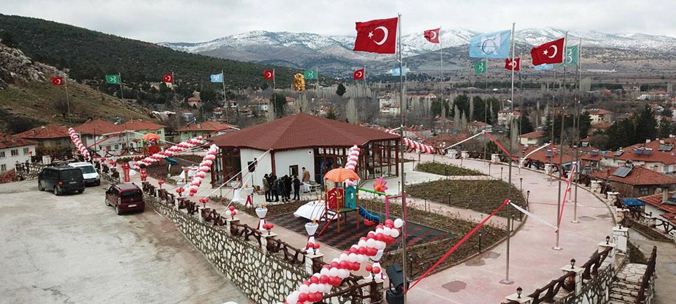 Tefenni'de Teras Park hizmete açıldı