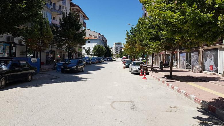 Burdur'da ters yönden gelen araçlara önlem alınmalı!