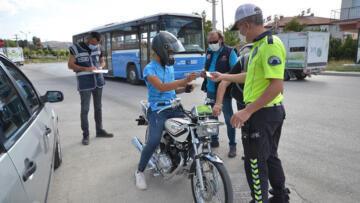 Burdur'da denetime takılan motosikletler trafikten men edildi