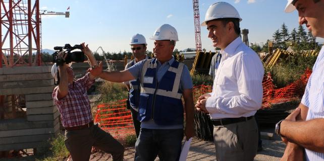 Isparta Valisi Özkan'dan Hastane İnşaatında İnceleme